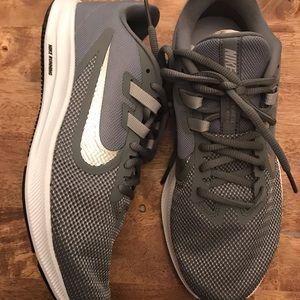 Downshifter 9 woman's running shoes